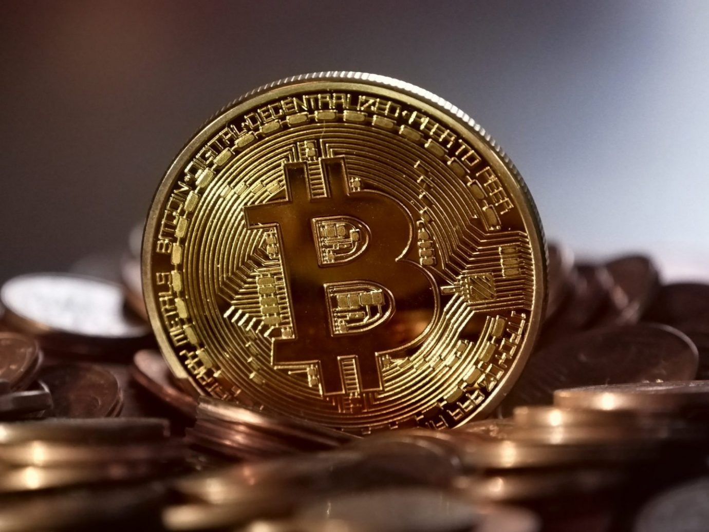 bank-banking-bitcoin-315788 How Do You Keep Your Cryptocurrency Safe?