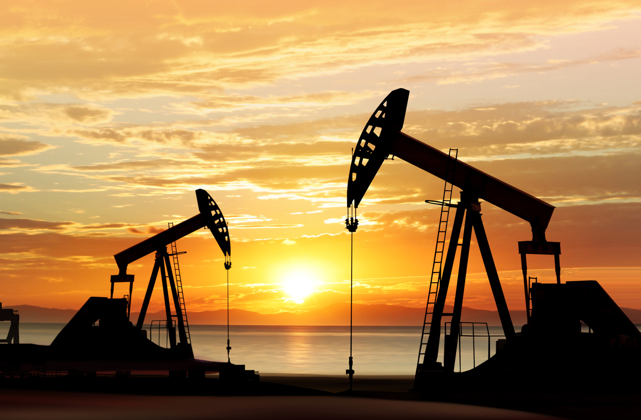 silhouette of oil pumps 467848696 1266x830